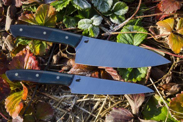 Пара кухонных ножей